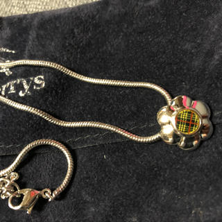 バーバリー(BURBERRY)のバーバリー お花モチーフ ネックレス(ネックレス)