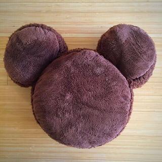 ディズニー(Disney)のミッキーシェイプ マカロンモチーフ クッション(キャラクターグッズ)