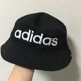 アディダス(adidas)の【お値下げ中‼️】adidas バケットハット(帽子)