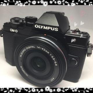 オリンパス(OLYMPUS)の卒・入園応援セール★内蔵Wi-Fi★OLYMPUS O-MD E-M10 (ミラーレス一眼)