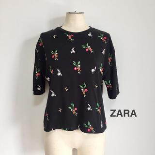 ザラ(ZARA)の【新品】ZARA 花柄刺繍カットソー(カットソー(半袖/袖なし))