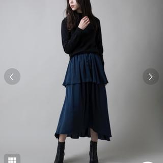 アントマリーズ(Aunt Marie's)の【新品】サテンティアードギャザースカート【今季購入品】(ロングスカート)