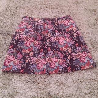 ジーユー(GU)の刺繍スカート(ミニスカート)