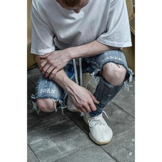 オフホワイト(OFF-WHITE)のLakenzie Born Sinner Distressed Denim 30(デニム/ジーンズ)