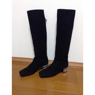 ミュウミュウ(miumiu)のミュウミュウ ビジュー付きスエードブーツ 35.5 美品(ブーツ)