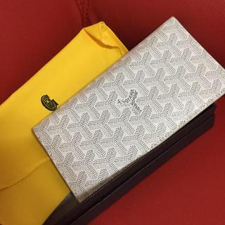 ゴヤール(GOYARD)のかわいい 白いお財布 レディース メンズ(財布)