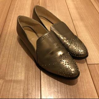 ザラ(ZARA)のZARA ゴールドパンプス(ローファー/革靴)