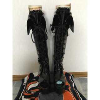 アリスアンドザパイレーツ(ALICE and the PIRATES)のアリパイ エナメル黒ブーツ(ブーツ)