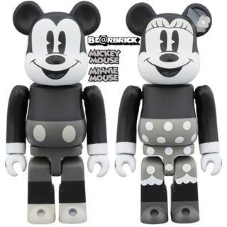 ベアブリック ミッキーマウス&ミニーマウス 100%(B&W Ver.)2PC
