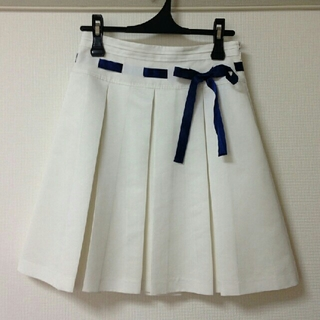 エムケークランプリュス(MK KLEIN+)のMK KLEIN+ 純白スカート(ひざ丈スカート)