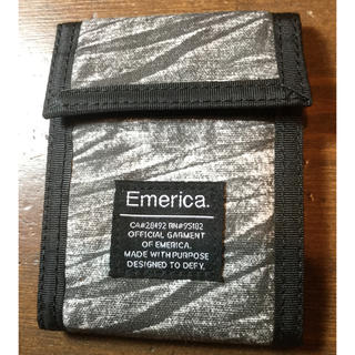 エメリカ(Emerica)のEmerica 二つ折り財布 新品 ブラック(折り財布)