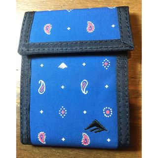 エメリカ(Emerica)のEmerica 二つ折り財布 新品 ブルー(折り財布)