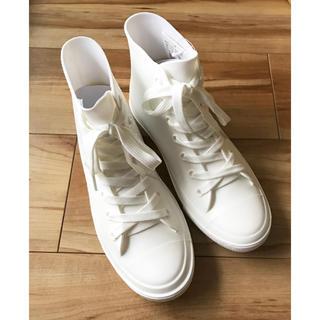 【新品】ハイカット レインスニーカー 白と黒 (M、Lサイズ)(レインブーツ/長靴)