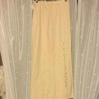 イタリヤ(伊太利屋)の伊太利屋 ウール素材クリーム色スカート(ロングスカート)