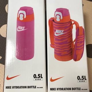 ナイキ(NIKE)のサーモス 新品未使用 ステンレス水筒 肩紐付き ナイキ 値下げ ピンク 子供用(水筒)