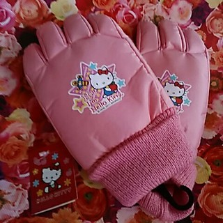 サンリオ(サンリオ)の可愛い❤キティちゃん手袋新品未使用5~6才ぐらい用(手袋)