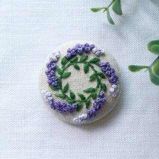 セーラー1650様 専用です•刺繍ブローチ ラベンダーリース(ブローチ/コサージュ)