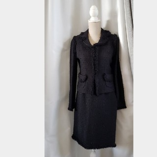 トゥービーシック(TO BE CHIC)の大変美品 TO BE CHIC  日本製 素敵なスーツ 黒 フォーマル(スーツ)