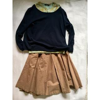 ジーユー(GU)の紺 ニット & ペイズリー カットソー & ベージュ フレア スカート(ひざ丈スカート)