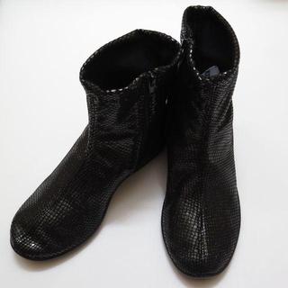アルコペディコ(ARCOPEDICO)の【新品】アルコペディコ ショートブーツ サイズ 37(24cm) ラメブラック(ブーツ)