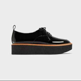 ザラ(ZARA)のZARA プラットフォームシューズ (ローファー/革靴)