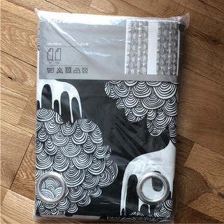 イケア(IKEA)の【新品】IKEA(イケア) KAJSAMIA ブラック ブラック カーテン 1組(カーテン)