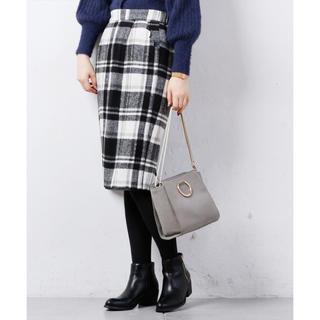 ナチュラルクチュール(natural couture)の美品 スカラップポケットゆるタイト(ひざ丈スカート)