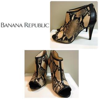 バナナリパブリック(Banana Republic)のバナナリパブリック♡パイソンレザー  ブーティ♡(ブーティ)