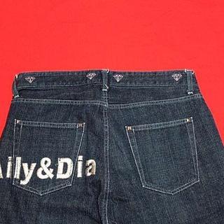 アリーアンドダイア(ALLY & DIA)のALLY&DIA★アリーアンドダイア★ウエスト約82cm★ゆったりストレート刺繍(デニム/ジーンズ)