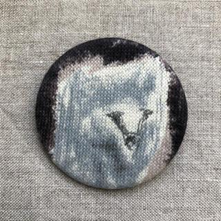 ミナペルホネン(mina perhonen)のmina perhonen サンキューベリーバッジ(訳あり未使用品)(ブローチ/コサージュ)