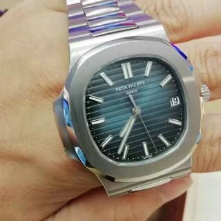 パテックフィリップ(PATEK PHILIPPE)のパテックフィリップ ノーチラス ラージ 5711/1A-010 メンズ 腕時計(腕時計(アナログ))