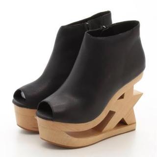 ジェフリーキャンベル(JEFFREY CAMPBELL)のジェフリーキャンベル  星型 ブーツ(ブーツ)