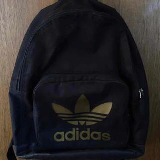 アディダス(adidas)のアディダスオリジナルス  黒金バックパック(リュック/バックパック)