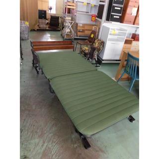 小棚付き折りたたみベッド シングル(簡易ベッド/折りたたみベッド)