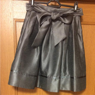 キスミス(Xmiss)のキスミス シルバー光沢スカート(ひざ丈スカート)