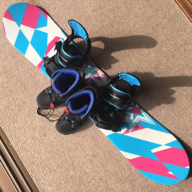 キッズスノーボード3点セット スポーツ/アウトドアのスノーボード(その他)の商品写真