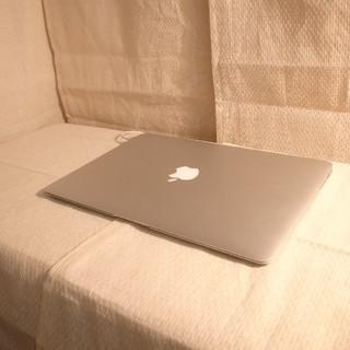 マック(Mac (Apple))の512GB大容量SSD 8GB大盛バッテリー良好 超うすうすMacBookAir(ノートPC)