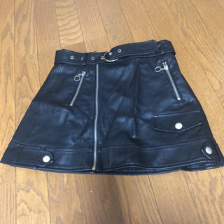 スピンズ(SPINNS)のレザー スカート (ミニスカート)