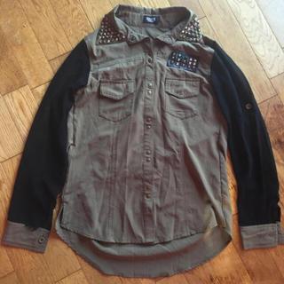シェイクシェイク(SHAKE SHAKE)のミリタリーシャツ(シャツ/ブラウス(長袖/七分))