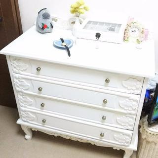 オオツカカグ(大塚家具)の真っ白な猫足ロココチェスト。₊✼̥୭*美麗な彫刻*ത✿.°(棚/ラック/タンス)
