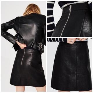 ザラ(ZARA)の新品 ☆ ZARA ザラ 台形 レザースカート 革 黒 ブラック(ミニスカート)