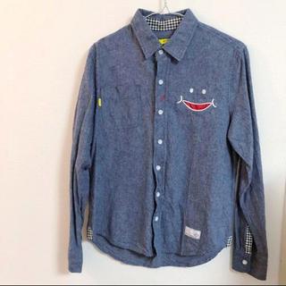 アップスタート(UPSTART)のメンズ。アップスタート、Made in Smileのコットンシャツ。サイズM(シャツ)