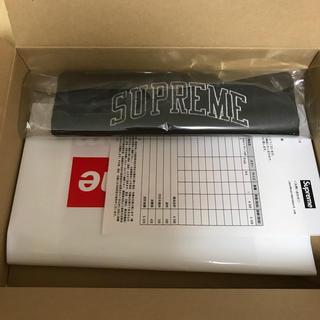 シュプリーム(Supreme)のsupreme newera sequin arc logo head band(その他)