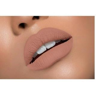 カイリーコスメティックス(Kylie Cosmetics)のKylie Cosmetic マットリップ NAKED(口紅)