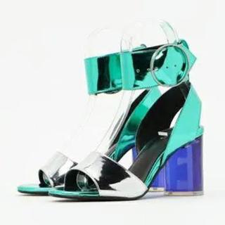 ジーヴィジーヴィ(G.V.G.V.)のg.v.g.v. wide ankle strap sandal(サンダル)