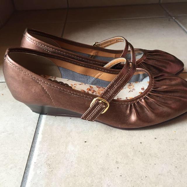 ブラウンゴールドパンプスL レディースの靴/シューズ(ハイヒール/パンプス)の商品写真