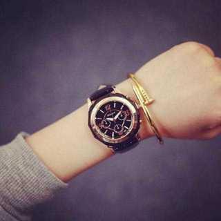 MC066 送料無料♪豪華ゴールドフレーム腕時計ウォッチ 黒面×黒ベルト(腕時計)