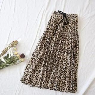 ザラ(ZARA)のレオパード柄プリーツスカート(ロングスカート)