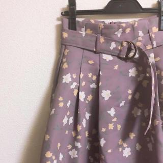 ダズリン(dazzlin)のdazzlin🌼花柄スカート(ひざ丈スカート)