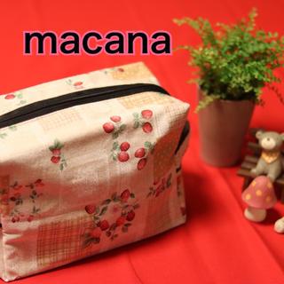 macana☆ハンドメイド☆布製オムツポーチ☆イチゴ柄☆(ベビーおむつバッグ)